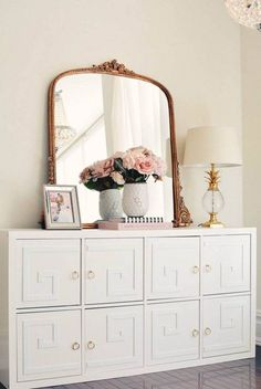 There are so many great Ikea Kallax hacks out there but which are the best? We've brought together the very best Ikea Kallax hacks for you in one place. You can create so many gorgeous and practical pieces of furniture with an Ikea Kallax. Ikea Kallax Unit, Hacks Ikea, Ikea Kallax Hack, Ikea Kallax Regal, Ikea Furniture Hacks, Furniture Ideas, Diy Hacks, Furniture Buyers, Ikea Vittsjo
