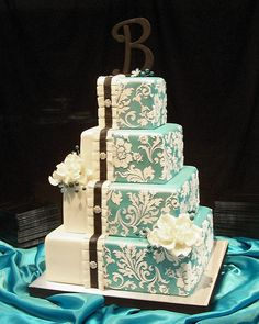 beautiful cake. the ribbon might be a tad heavy but it's still gorgeous as a whole