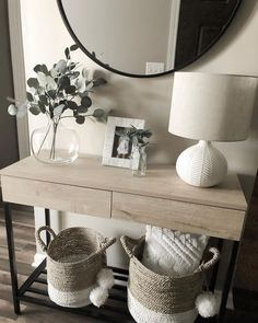 Fantastic Entryway Console Tables Design Ideas To Try Asap . Fantastic Entryway Console Tables Design Ideas To Try Asap living room decoration ideas - color, furniture and lighting Table Design, Decor, Hallway Table Decor, Home And Living, Living Room Designs, Interior, Home Decor, House Interior, Room Decor