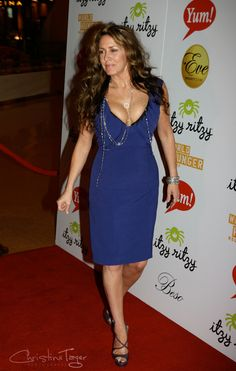 Joely Fisher, Bodycon Dress, Singer, Actresses, Summer Dresses, Beauty, Fashion, Female Actresses, Moda