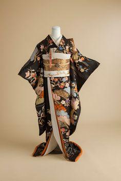 Traditional Japanese Kimono, Traditional Fashion, Traditional Outfits, Kimono Fabric, Kimono Dress, Kimono Style, High Fantasy, Kabuki Costume, Modern Kimono