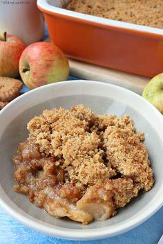 Uk Recipes, Apple Recipes, Vegetarian Recipes, Cooking Recipes, Dessert Recipes, Bake Off Uk, Biscoff Recipes, Apple Crumble Recipe, Kitchens