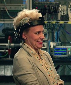 *yelling* KATE MCKINNON IS A BEAUTIFUL, PRECIOUS BABY BUNNY THAT WE HAVE DONE NOTHING TO DESERVE