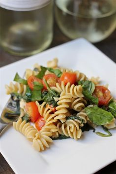Pasta with spinach and tomatos