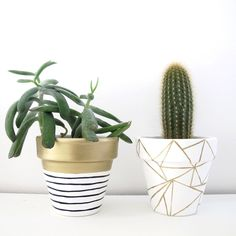 A hand painted plant pot with geometric gold design. I paint all these pots individually so your pot may vary slightly from the one pictured.  Sealed for both water and UV protection. Measures 11cm high, 11cm diameter.