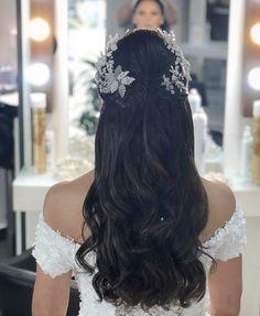 Bridal Hair Updo, Wedding Hairstyles With Veil, Short Wedding Hair, Bridal Hair And Makeup, Bride Hairstyles, Pretty Hairstyles, Wedding Makeup For Brown Eyes, Simple Prom Hair, Bridal Hair Inspiration