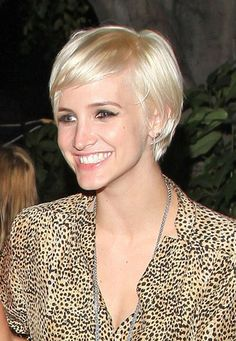Ashlee Simpson Wentz Short Straight Cut - Short Straight Cut Lookbook - StyleBistro - via http://bit.ly/epinner