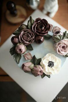 3rd I am weekly cake 해보고 싶은 컬러 배색이 생기면 새벽부터 눈이 떠져서 케이크 작업- 그레이가 감도...