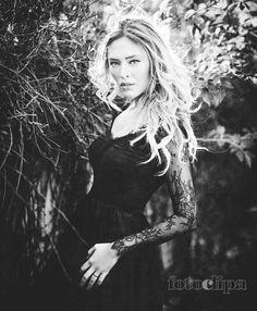 Photo Madalina by Florin Cojoc on Portrait Inspiration, Daenerys Targaryen, Game Of Thrones Characters, Fictional Characters, Art, Fashion, Moda, La Mode, Kunst