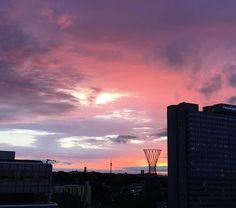 Sundays are made for sunsets to share with each other! <3  Sonntage sind dafür da, Sonnenuntergänge miteinander zu teilen! <3  Photo Credit @ini.ly via Instagram Thanks for sharing!
