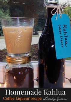 How to make coffee liqueur using just a few basic ingredients including coffee, vanilla, & vodka. This homemade kahlua recipe takes about 15 minutes to make Homemade Liqueur Recipes, Kahlua Recipes, Homemade Kahlua, Homemade Alcohol, Homemade Liquor, Yummy Recipes, Cookie Recipes, Vegan Recipes, Coffee Liqueur Recipe