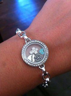 New Origami Owl Link Locket Bracelet!  Find me at www.facebook.com/ooinddesigneralicethompson