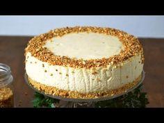 Tarta de mousse de turrón . Receta fácil paso a paso con vídeo Sweet Recipes, Cake Recipes, Dessert Recipes, Desserts, Banana French Toast, Vanilla Cake, Marsala, Cupcake Cakes, Bakery
