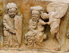 Le massacre des Innocents : le démon parle à l'oreille du roi Hérode. Scène de la seconde archivolte du portail de la façade occidentale de l'église Santo Domingo de Soria (Castille et León). Art roman, vers 1180.