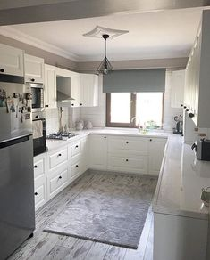 Convenient kitchen simple and stylish decor! house from the delightful . U Shaped Kitchen Inspiration, Cottage Kitchens, Home Kitchens, Boho Home, House Layouts, Kitchen Flooring, Kitchen Remodel, Kitchen Decor, Sweet Home