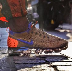 sports shoes 34a8b 12304 Nike Air VaporMax Flyknit 2  Mowabb Golden Beige  Mens Trainers  942842-203 Nike Lifestyle