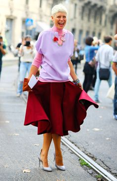 Elisa Nalin in Mila Schon. Pink and Burgundy. I wanna try this awesome color combo