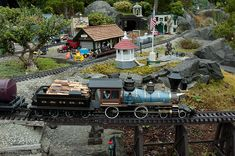 The Munee, Pitt & Lunisea Railway Ho Model Trains, Ho Trains, Garden Railings, Escala Ho, Garden Railroad, Craft Supplies Online, Model Train Layouts, Dream Garden, Shell