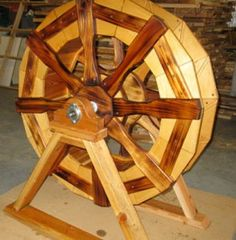Learn how to build a functioning water wheel. I am delighted at finding a functioning water wheel plans. It is not as detailed as most of . Homestead Survival, Camping Survival, Survival Tips, Survival Skills, Survival Stuff, Emergency Preparedness, Wood Projects, Woodworking Projects, Woodworking School