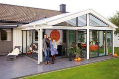 Foto: Willab Garden Outdoor Rooms, Outdoor Decor, Decks And Porches, Backyard Patio, Sunroom, House Plans, Villa, Cottage, Garden