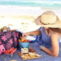 We have some delicious picnic ideas up on the Ciroa Journal, now we just need some picnic appropriate weather! What's the weather like where you are today?  .  Tap link in bio for our fresh and easy picnic recipes, and make sure to follow us for more beautiful lifestyle inspiration  .  .  .  #ciroa #picnic #picnics #coolerbags #summerlovin    #Regram via @www.instagram.com/p/BvxCWoUAZ7H/