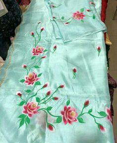 Saree Painting, Dress Painting, Silk Painting, Hand Painted Dress, Painted Clothes, Hand Work Embroidery, Flower Embroidery Designs, Dress Neck Designs, Sleeve Designs