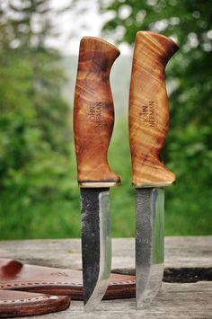 Scandinavian style knives by John Neeman (http://www.neemantools.com)