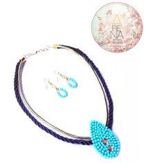 Bordado a mano y en color turquesa ❤ Collar Media Noche ❤ disponible en @liniofashionco #trendy #casual #chic #moda #fashion #necklace #collar #handmade #diseñandoconamor