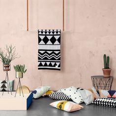 Ferm Living - Clothes Rack, hängende Garderobenstange, Ambiente
