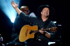 2015 GARTH BROOKS TOUR DATES:  As you can tell, and from his own admission, Garth Brooks is not that computer or tech savvy. Until ...