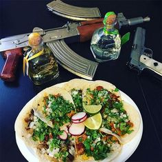 32 Crazy Pictures Posted by Cartel Members. Mexican Drug Lord, Food Goals, Weird Pictures, Drugs, Instagram, Lifestyle, Ethnic Recipes, Airsoft, Weapons