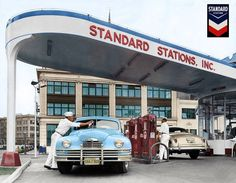 Vintage Automobile Dealerships and Automobilia. Interested in old cars, and the things related to them, then this is the page for you. Old Gas Pumps, Vintage Gas Pumps, Vintage Cars, Vintage Photos, Vintage Auto, Retro Vintage, Pompe A Essence, Gas Service, Full Service Gas Station