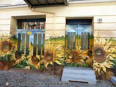berlin, kunst, Berlin, Graffiti, Urbane Kunst, Street Art Photography, Weird And Wonderful, Urban Art, Wonders Of The World, Amazing Ideas, Murals
