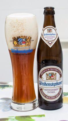 Weihenstephaner Hefeweissbier Dunkel. Dunkelweizen. 5.3º