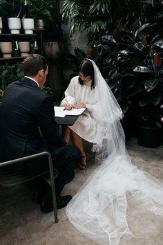 Classic Wedding Dress, Casual Wedding, Boho Wedding Dress, Wedding Dresses, Civil Wedding, Courthouse Wedding, Modern Groom, Wedding Silhouette, City Hall Wedding