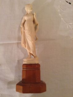 Antique european Dieppe  ivory depicting Josphine wife of Napoleon - second half xix century - call Danilo +39 335 6815268