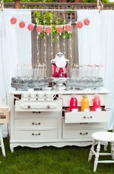 All Things Unpredictable & Chic ❤: How To: Host a Bridal Shower