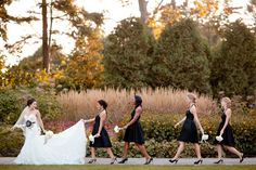 Bridesmaids in a row. Cute! I have to have one!