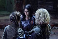 Madi, Octavia, and Clarke in 5x6