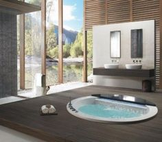 banheiros grandes decorados com jacuzzi - Fotos de Decoração