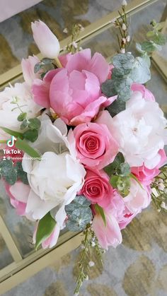 Rosen Arrangements, Flower Arrangements Simple, Beautiful Flowers Garden, Beautiful Roses, Ramadan Kareem Pictures, Roses Luxury, Ecuadorian Roses, Fragrant Roses, Traditional Roses
