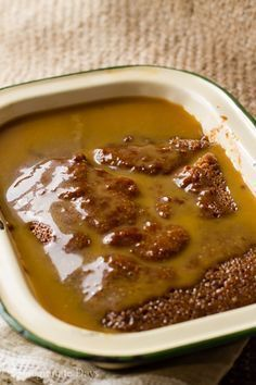 I love this warm baked saucy pudding; it is a traditional South African dessert. This recipe for Malva Pudding is baked in a sweet, sticky caramel sauce. Tart Recipes, Pudding Recipes, My Recipes, Dessert Recipes, Malva Pudding, Caramel Pudding, South African Desserts, South African Recipes, Baking Tips