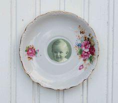 Vintage saucer/photo frame