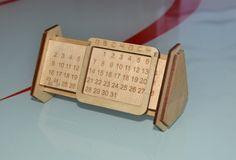 Вечный календарь. Материал фанера 3мм.