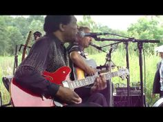 ▶ Hans Theessink and Terry Evans Talk to Your Daughter Van Folk Fest 07 17 11 - YouTube