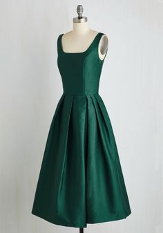 Confident and Powerful Dress in Emerald. You don't need a blazer and slacks to command the room - this gorgeous green dress from Chi Chi London - a ModCloth exclusive - will do just fine! #green #prom #modcloth