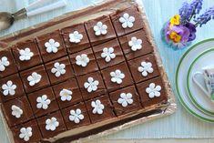 Enkel sjokoladekake i langpanne - Krem.no Gingerbread Cookies, Food And Drink, Holiday Decor, Cake, Desserts, Gingerbread Cupcakes, Tailgate Desserts, Deserts, Food Cakes