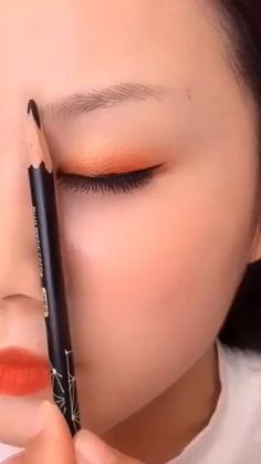 Makeup Tips Eyeshadow, Eyebrow Makeup Tips, Makeup Tutorial Eyeliner, Makeup Looks Tutorial, Eye Makeup Steps, Makeup Videos, Eyebrow Tutorial, Makeup For Black Skin, Fall Eye Makeup