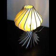 Alienology - Блум Настольная лампа - скоро вернется