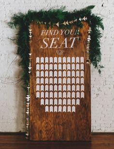 wooden tag escort card display.